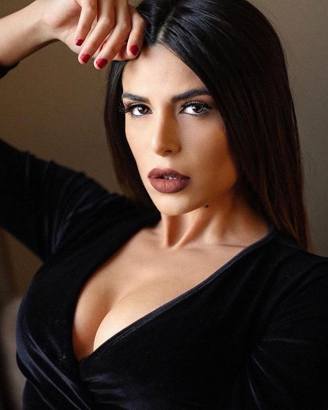 Иранская модель бежала из страны из-за откровенных фотографий (25 фото)