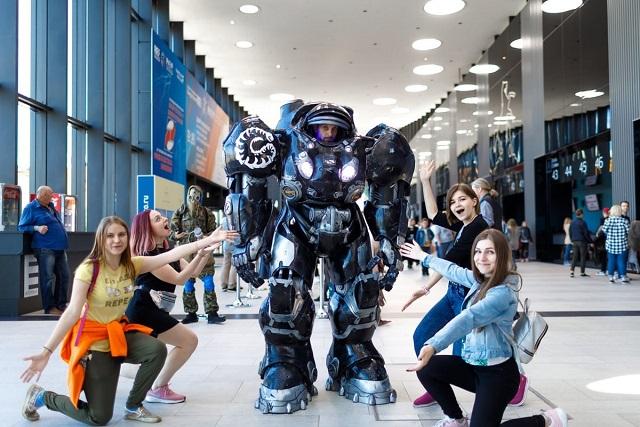 В Санкт-Петербурге прошел международный фестиваль косплея Старкон (25 фото)