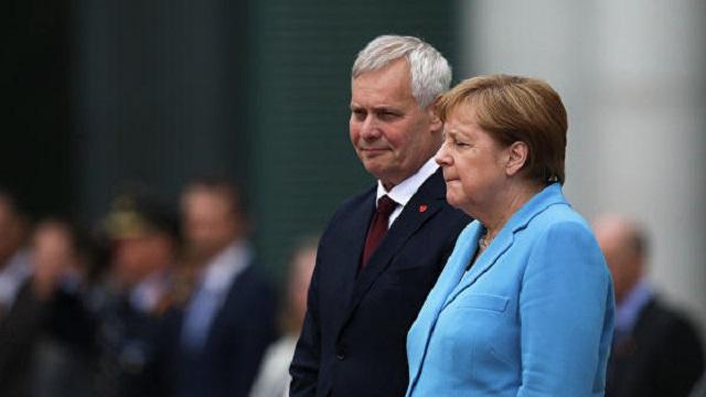 Ангела Меркель перенесла 3-й приступ дрожи за месяц