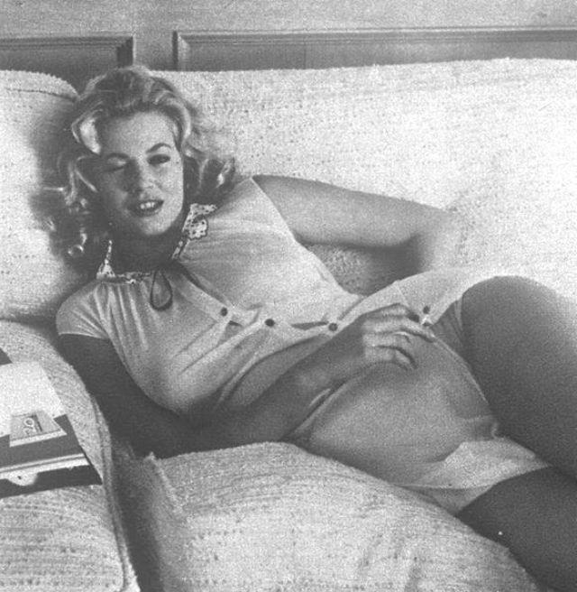 Анита Экберг - секс-символ итальянского кино 60-х годов (18 фото)
