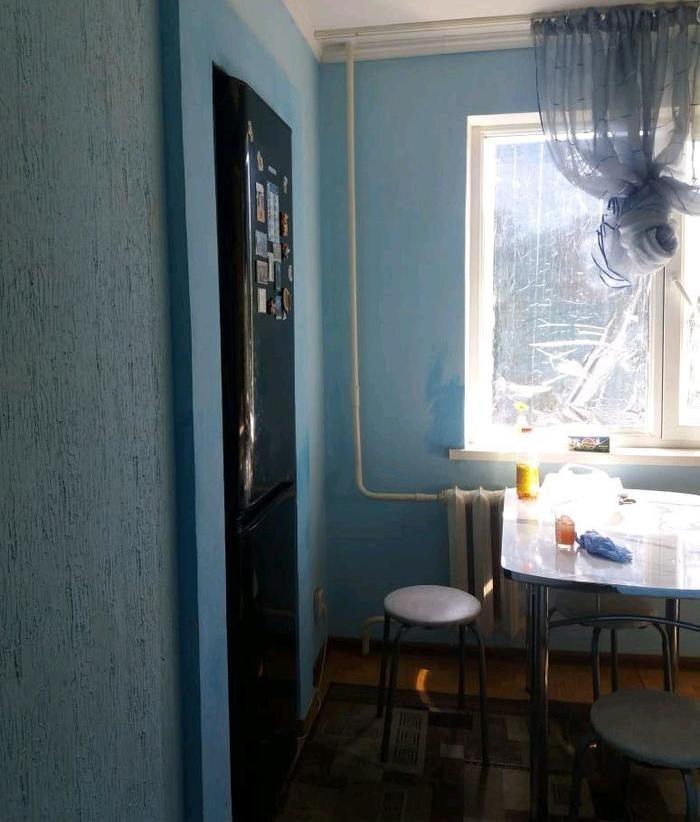 Странный шкаф в комнате? Хотя, погодите-ка... (2 фото)