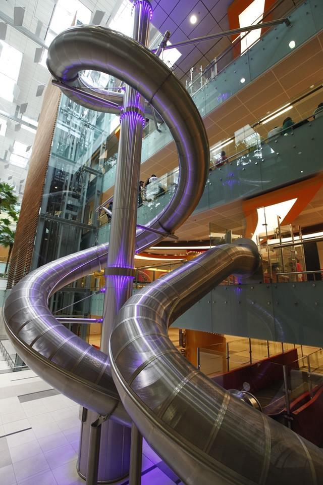 Горка в аэропорту Чанги в Сингапуре (4 фото + видео)