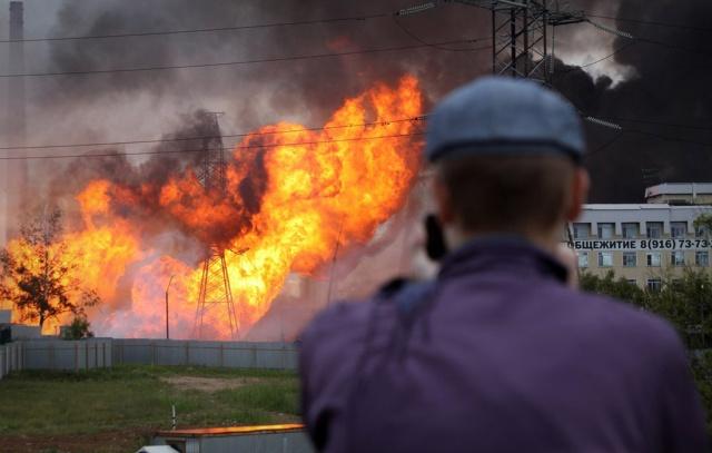 Эпичное видео пожара ТЭЦ в Мытищах