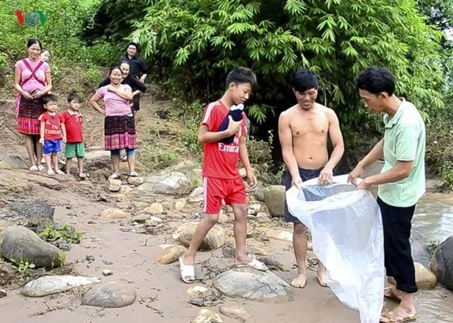 Дорога в школу ребенка из Вьетнама (5 фото)