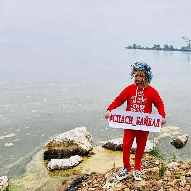 Сергей Зверев вновь призвал спасти озеро Байкал (2 фото + 3 видео)