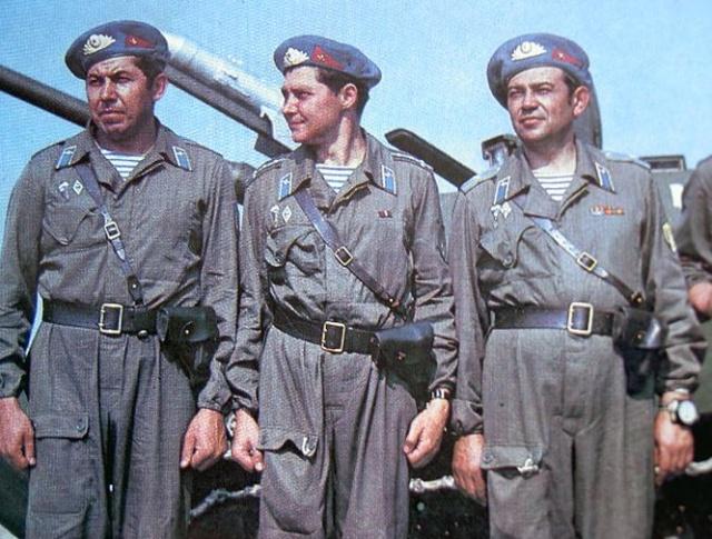 Почему десантники стали носить тельняшки (3 фото)
