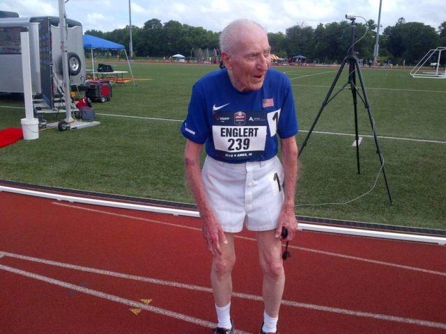 Мировой рекорд в 96 лет (3 фото)