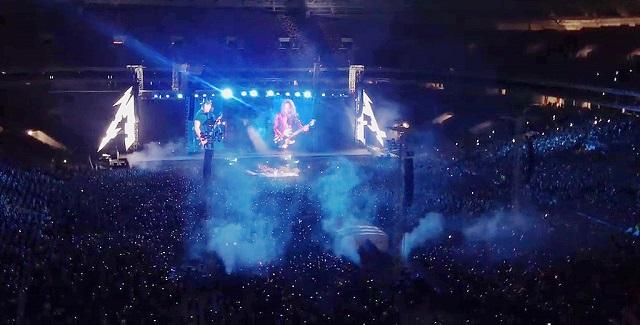 """Metallica спела """"Группу крови"""" во время концерта в Москве"""