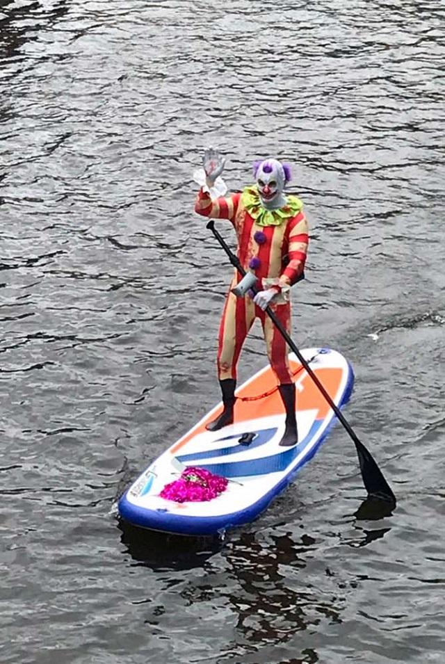 """В Питере прошел 4-й фестиваль """"Фонтанка-SUP"""" (25 фото + видео)"""