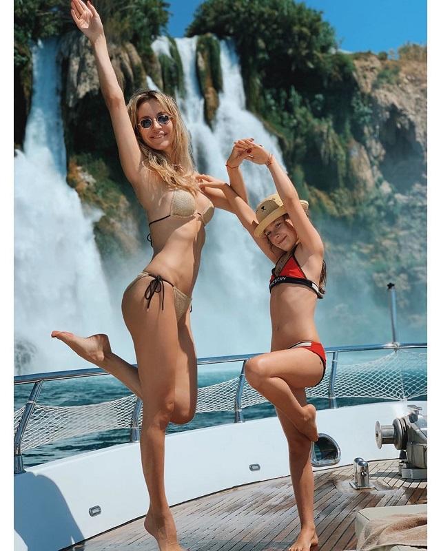 """Лобода выложила """"жаркие"""" фотографии с отдыха на яхте (5 фото)"""