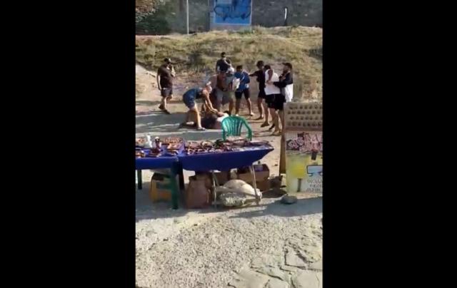 В Судаке избили туристов за отказ платить за фотографии с орлом
