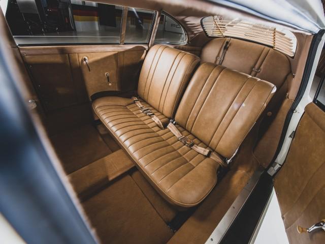 Лимузин из Porsche 356. Теперь ты видел все (16 фото)