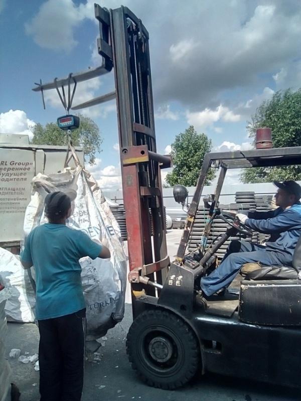 Старообрядцы из Челябинска несколько лет собирали пластиковый мусор (4 фото)