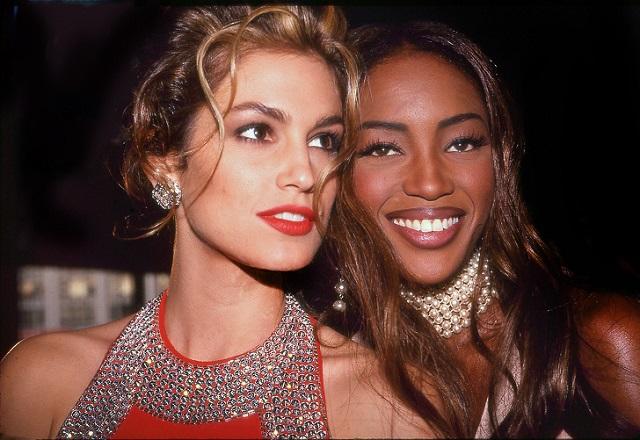 Редкие фотографии мировых звезд из 90-х (25 фото)