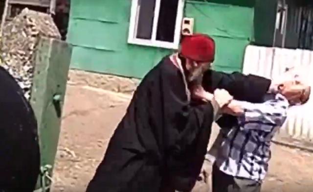Молдавский священник приехал на отпевание и подрался с жителями села