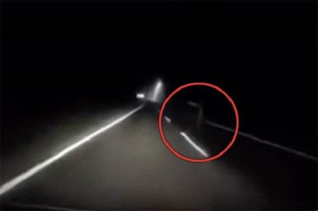В Малайзии водитель заснял призрака-автостопщика
