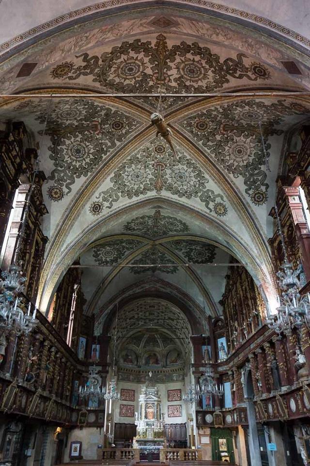 Что делают крокодилы в христианских церквях? (5 фото)