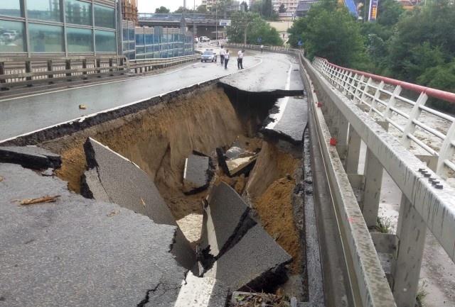 Ливни в Сочи размыли несколько федеральных дорог (3 фото + видео)