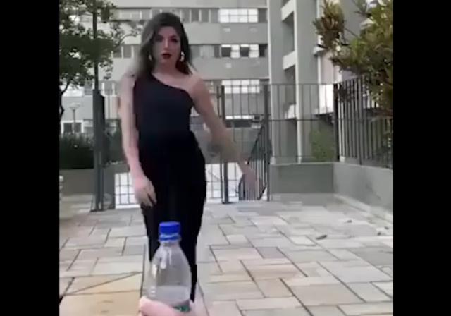 "Когда ""Bottle Cap Challenge"" уже просто достал"