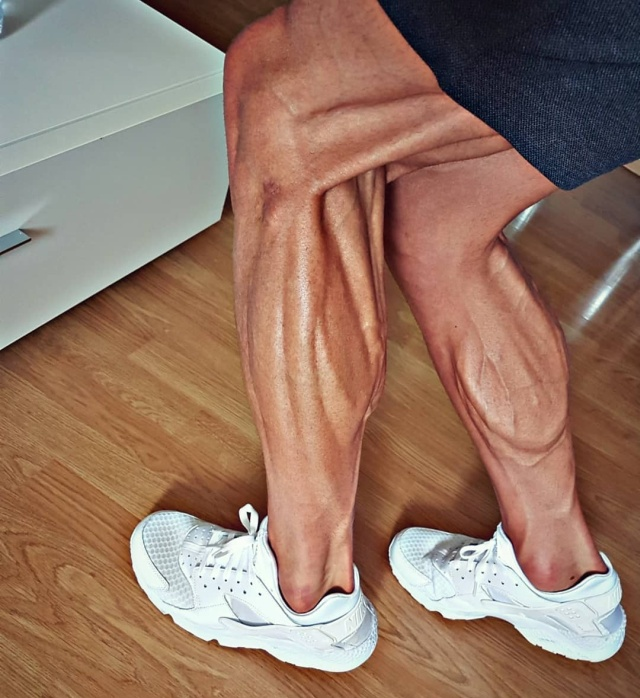 Ноги велогонщика Томаша Марчинского (4 фото)
