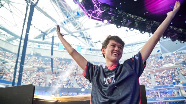 Подросток из США выиграл 3 миллиона долларов на чемпионате мира по Fortnite (2 фото + видео)