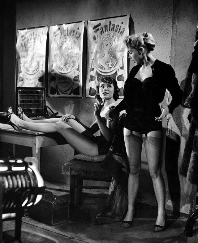 Девушки 50-х годов (21 фото)