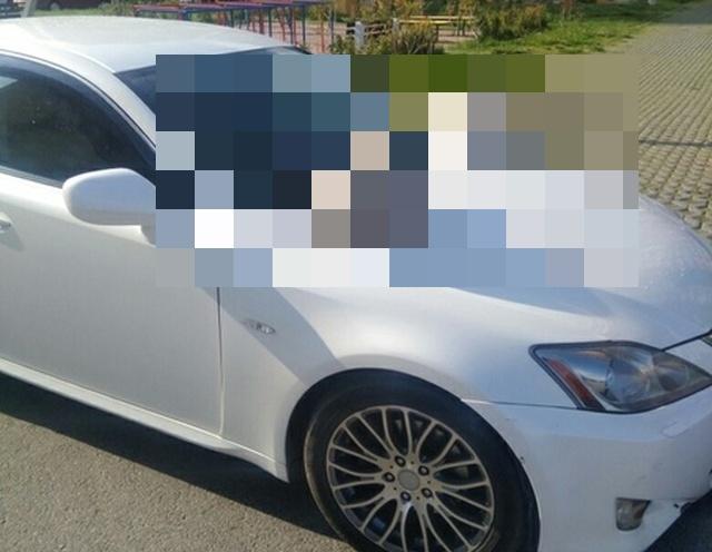 Неожиданный сюрприз для автолюбителя в Девяткино (3 фото)
