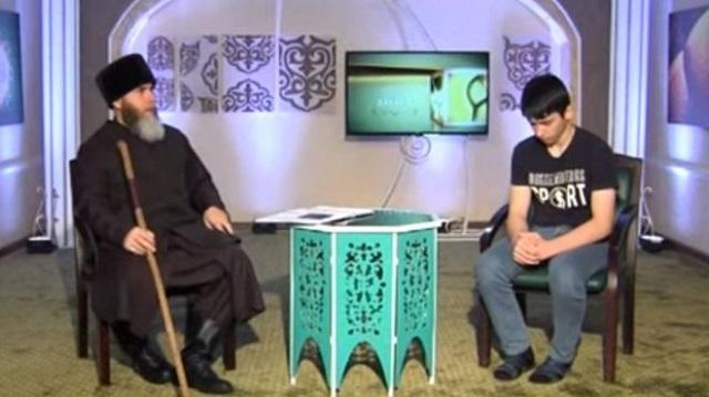 Подростку из Чечни пришлось 46 минут извиняться в эфире
