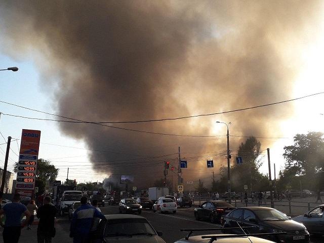 В Самаре из-за детского баловства сгорело 8 домов (4 фото + видео)