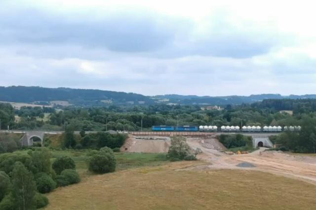 Квадрокоптер заснял крушение поезда в Чехии (видео + 4 фото)