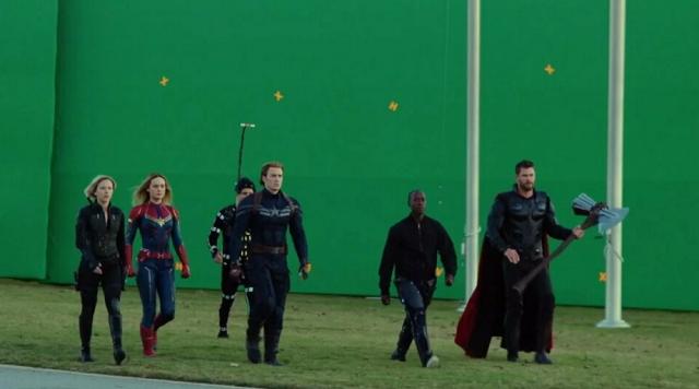 """Подборка закулисных кадров со съемочной площадки 4-й части """"Мстителей"""" (20 фото + видео)"""