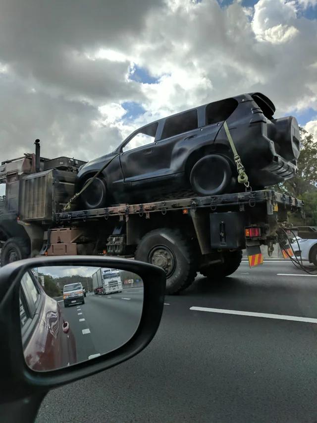 Объясните мне, что это за штуковина? (15 фото)
