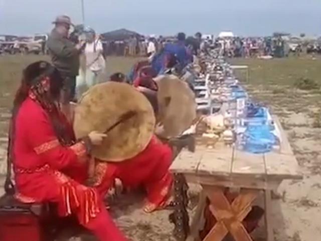 Шаманы пришли на помощь горящей Сибири
