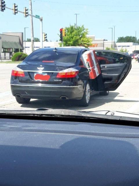 Кто выдал этим людям водительские права? (25 фото)