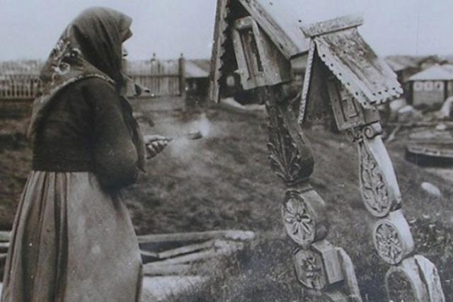 """Почему церковь запретила ставить """"кресты с крышей"""" (5 фото)"""