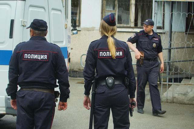 """Полицейские получили """"рекомендации"""" не носить служебную форму во внерабочее время"""