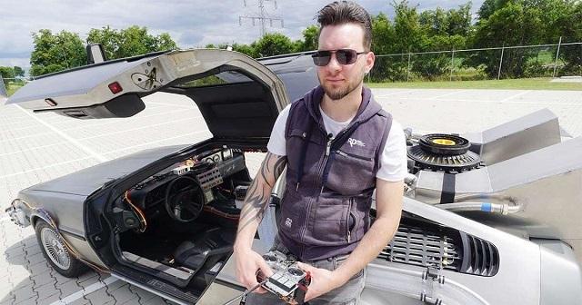 """Парень из Голландии сделал точную копию DeLorean из фильма """"Назад в будущее"""" (3 фото + видео)"""