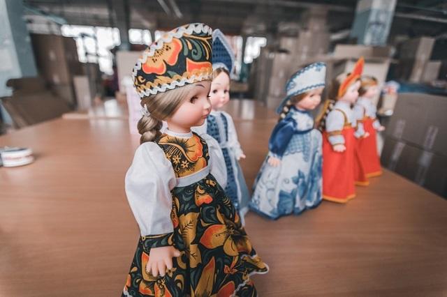 """Как выглядит рабочий процесс на """"Ивановской фабрике игрушек"""" (16 фото)"""