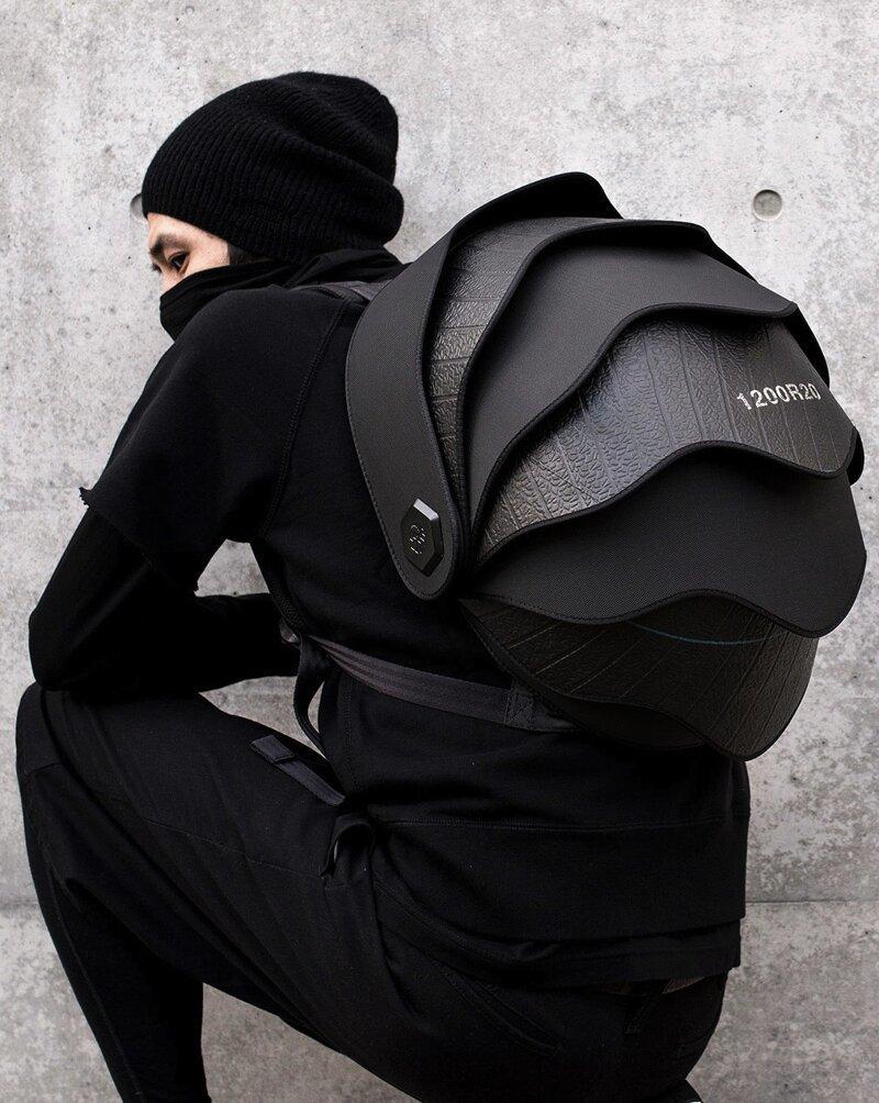Необычный рюкзак из переработанных покрышек от дизайнеров из Колумбии (8 фото)