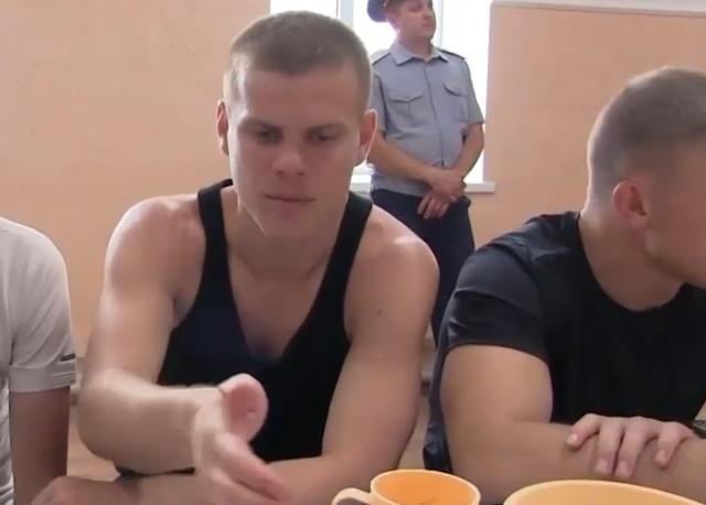 Александр Кокорин объяснил, почему он с Мамаевым смеялся в зале суда