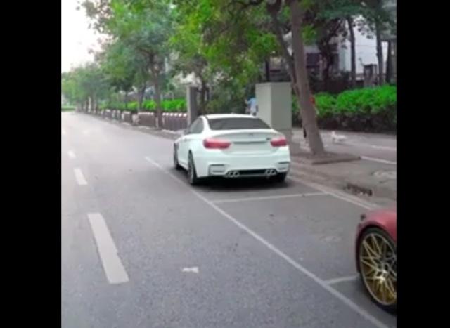 Не умеете парковаться? Тогда вам нужен такой автомобиль!