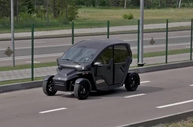 """Необычный электромобиль UV-4 от концерна """"Калашников"""" (6 фото)"""