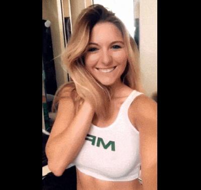 Гифки с привлекательными девушками (16 гифок)