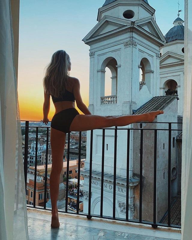 Светлана Лобода выложила фото в Instagram и оскорбила чувства верующих подписчиков (6 фото)