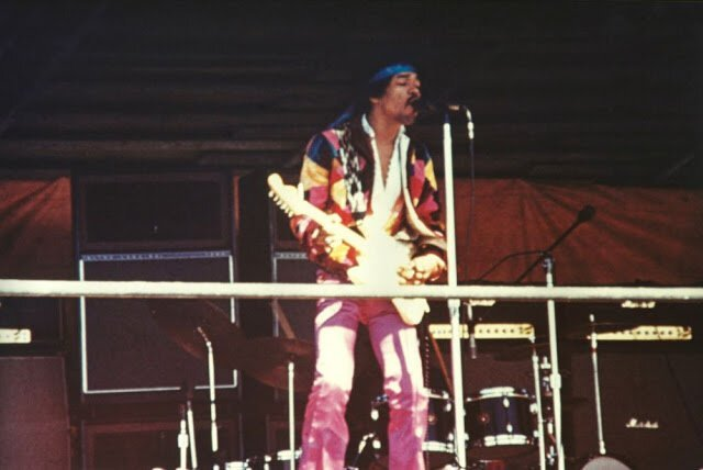 Подборка редких снимков с последнего концерта Джими Хендрикса (25 фото)
