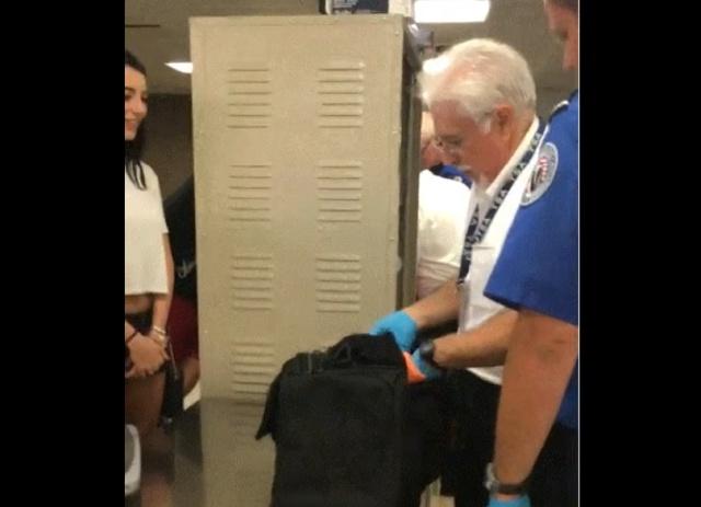 Позвольте мне проверить ваш багаж?