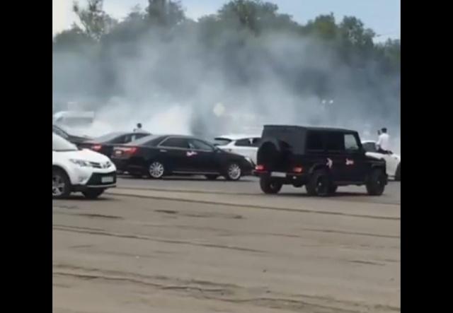"""Свадебный """"дрифт"""" в Астрахани (видео + фото)"""