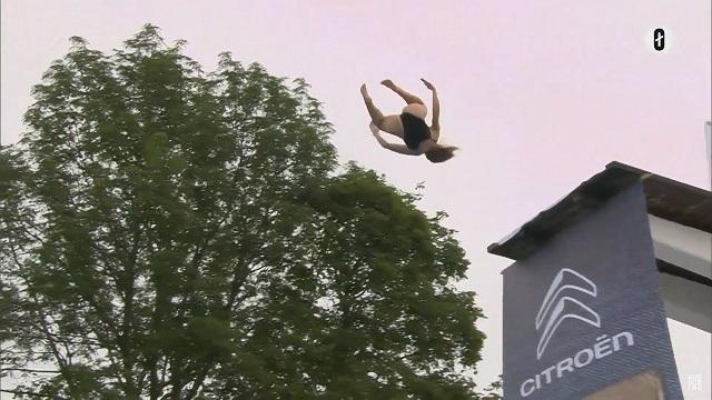 """Безумное норвежское соревнование по """"смертельным"""" прыжкам в воду"""