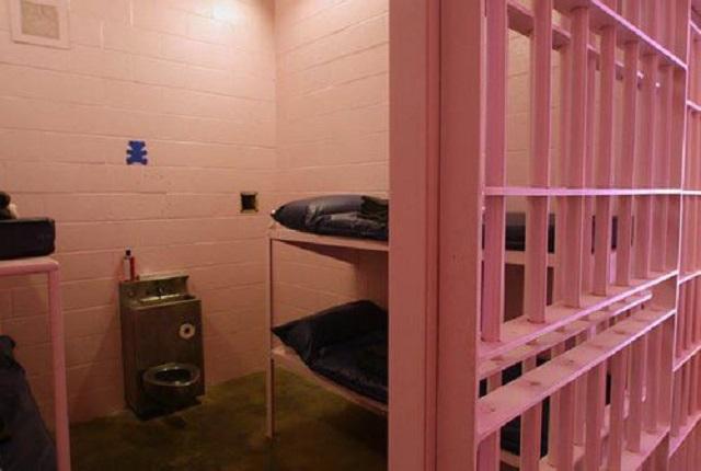 """""""Умилительные"""" и успокаивающие тюремные камеры Швейцарии (3 фото)"""