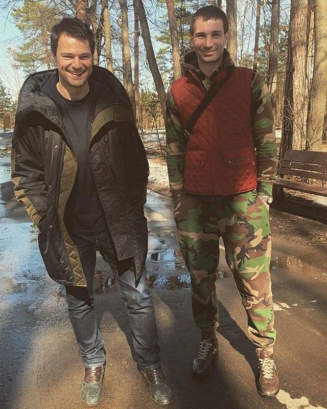 Родные братья и сестры российских звезд, о которых не слышали даже поклонники (10 фото)